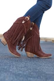 the 25 best fringe cowboy boots ideas on pinterest fringe boots