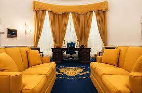 White House Oval Office Desk Richard Nixon Hid One Unlikely Item In His Oval Office Desk Aol News