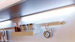 reglette led cuisine eclairage neon pour cuisine top design enchanteur reglette led pour