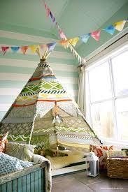 cabane enfant chambre 10 inspirations cabane pour la chambre de nos enfants lsd magazine
