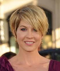 wedge shape hair styles short wedge haircuts for women hair pinterest wedge haircut