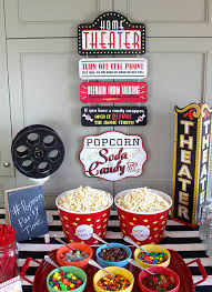 how to throw a fun backyard movie party