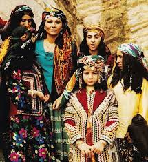 what is women u0027s traditional clothing in iran and saudi arabia