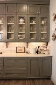 Dark Grey Kitchen Cabinets by Best 25 Dark Gray Backsplash Ideas On Pinterest Grey Kitchen