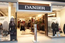 danier leather outlet danier leather is closing all of its stores