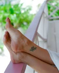 finger tattoo swelling how to help the swelling after a tattoo healthfully