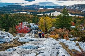 10 places fall colours ontario