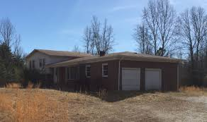 Tri Level Home 7040 Lewiston Plank Road Burkeville