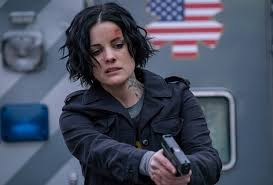 Seeking Season 1 Ep 2 Blindspot Recap Season 2 Finale Was Sandstorm Stopped Tvline