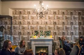 10 cozy bars and pubs with a fireplace in toronto