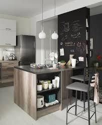 table de cuisine pratique idée relooking cuisine un îlot de cuisine pratique et compact qui