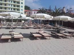 il gabbiano vue de la plage priv礬e photo de gabbiano arma di taggia