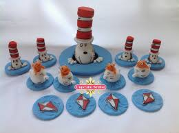 dr seuss cupcakes cupcake stylist cupcake stylist fondant topper of the week dr