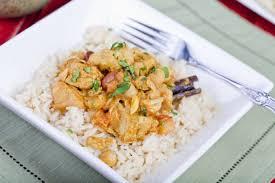 cuisiner sauté de porc recette de sauté de porc aux épices riz parfumé à la cannelle