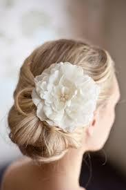 flower hair bun veil flowers bun search hairdo s wedding