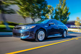 kia optima hybrid reviews research new u0026 used models motor trend