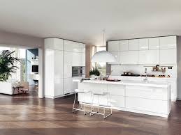cuisine blanche laqué cuisine moderne blanche avec îlot en 83 idées inspirantes
