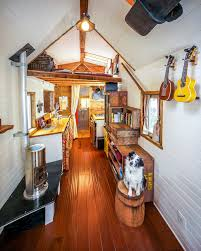 Tiny House On Wheels Plans Free Couple Quits Day Jobs Builds Quaint Tiny Home On Wheels To