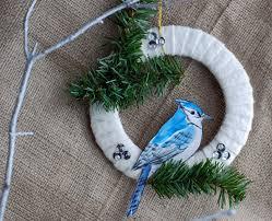 that artist woman easy wreath ideas