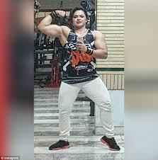 iranian woman bodybuilder locked up over u0027nude u0027 selfies daily