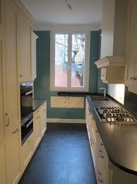 peindre des armoires de cuisine en bois simple comptoir en bois naturel armoire de cuisine marron bronze