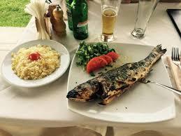 cuisiner le bar entier bar entier sur le grill picture of konstantin restaurant cafe