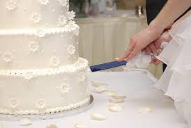 catherine leyden of odlums offers her top wedding cake advice