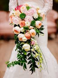 bouquet for wedding 15 cascading wedding bouquets