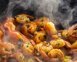 cuisine crevette recette crevettes sautées à l ail