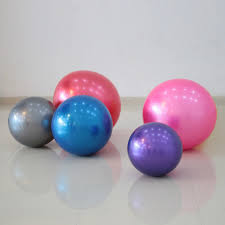 Pilates Ball Chair Size by Top 5 Reasons To Trade In Your Desk Chair For An Exercise Ball