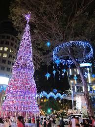 outside christmas light displays top 10 christmas lights displays cheapflights
