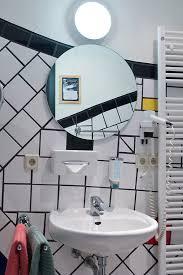 hundertwasser badezimmer bauwerk in magdeburg hundertwasserhaus an immobiliengesellschaft