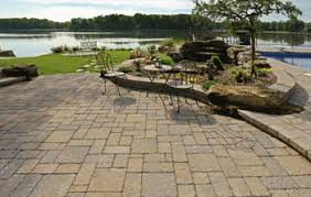 Choosing The Right Paver Color Paver Patio Design Tips And Pictures