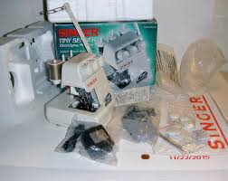 amazon com singer tiny serger overedging machine