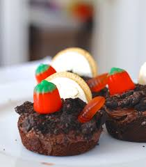 yummy halloween craft graveyard brownie cups