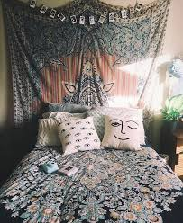 Funky And Colorful Bedroom Design With Bohemian Bedroom Ideas - Bohemian bedroom designs