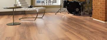 sheet vinyl flooring that looks like wood