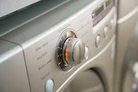 What Colors Do You Wash Together - choose the correct water temperature for laundry