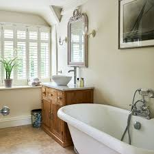 Sarah Richardson Bathroom Ideas by Traditional English Cottage Bathroom With Freestanding Bathtub
