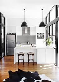 cuisine mur noir 20 idées de cuisine noir et blanc à découvrir