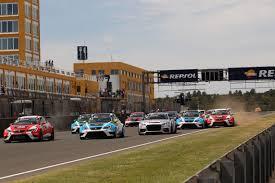 lexus valencia spain stefano comini lead the tcr after a new win in valencia sport