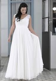 best 25 plus size wedding gowns ideas on pinterest curvy