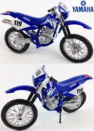 yamaha motocross bikes yamaha ttr 250 1 18 diecast toy model motocross bike matt