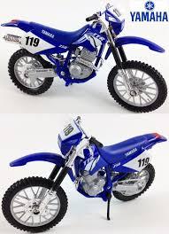 yamaha motocross bikes yamaha ttr 250 1 18 diecast toy model motocross bike matt