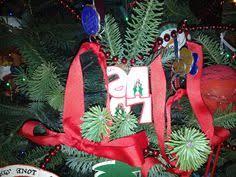 świąteczny wianek świąteczny wianek i ręcznie pisane karteczki
