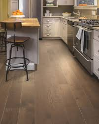 Scratch Laminate Floor Burnt Tobacco Hickory Scratch Resistant Aluminum Oxide