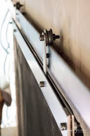 Polished Brass Fireplace Doors by Best 25 Modern Fireplace Screen Ideas On Pinterest Industrial