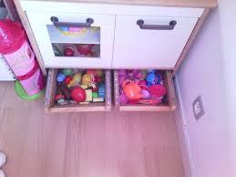 cuisine duktig ikea création de tiroirs de rangement sous mini cuisine duktig ikea hack