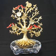 bejeweled tree of with birds