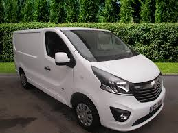 opel vivaro 2007 used vauxhall vivaro vans for sale in luton bedfordshire motors